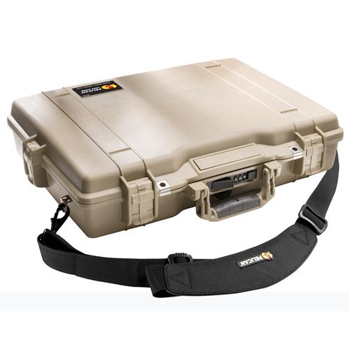 Étui Deluxe pour ordinateur portatif de 17 po de Pelican - Sable du désert