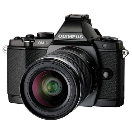 Appareil photo sans miroir E-M5 d'Olympus avec objectif 12-50mm