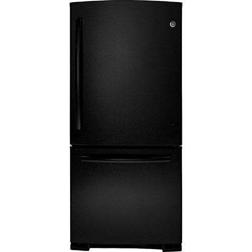 Réfrigérateur à congélateur inférieur de 20,3 pi3 et 29,75 po de GE (GDR20DTERBB) - Noir