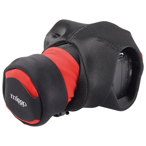 Étui/dragonne 2-en-1 Grip & Wrap de miggo pour appareil photo reflex numérique (MM20117)- Noir-rouge