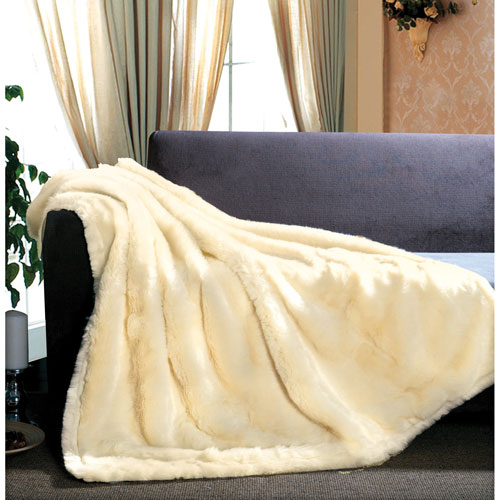 The St. Pierre Home Arctic Fox Faux Fur Throw Blanket - White