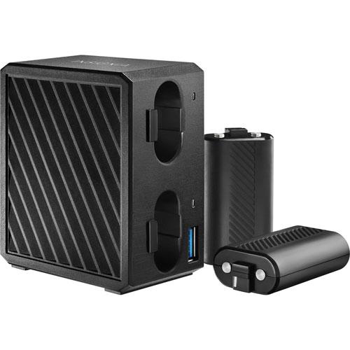 Station de chargement avec batteries d'Insignia pour Xbox One