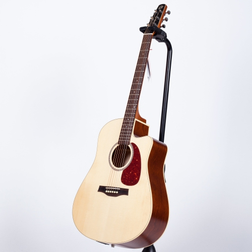 Seagull Coastline Slim CW Spruce Acoustic with QIT