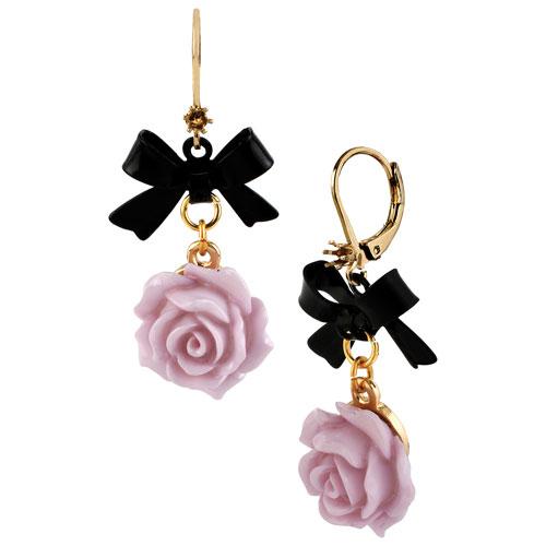 Boucles d'oreilles suspendues à fleur et boucle Basics de Betsey Johnson