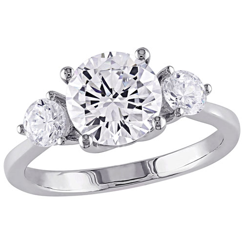 744764843eb Classic Engagement Ring in Sterling Silver with 3 Cubic Zirconia Stones -  Size 8   Rings - Best Buy Canada