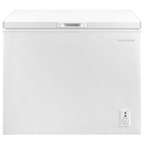 Amana 7 0 Cu Ft Compact Chest Freezer Aqc0701grw