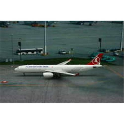 Phoenix Diecast 1-400 PH1322 1-400 Turkish A330-300 REG No  TC-JNR