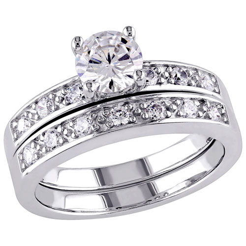 Bridal Halo Ring in Sterling Silver with 14 Round-Cut Cubic Zirconia - Size 8