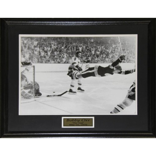 Bobby Orr Boston Bruins The Goal Black & White 16x20 frame : NHL ...