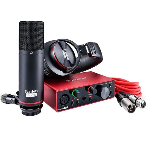 Focusrite Scarlett Solo 3rd Gen Studio Bundle - Interface, Headphones, Mic