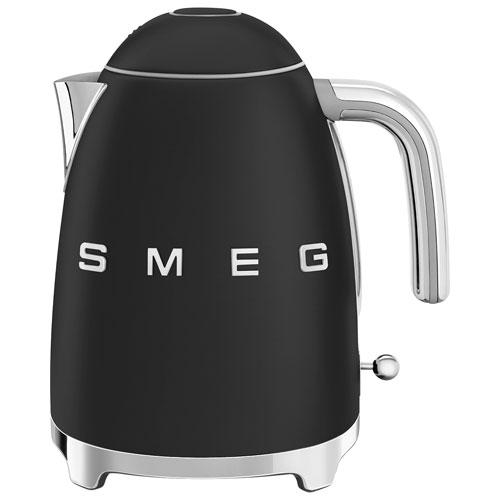 Bouilloire électrique de style années 50 de Smeg - 1,7 L - Noir mat