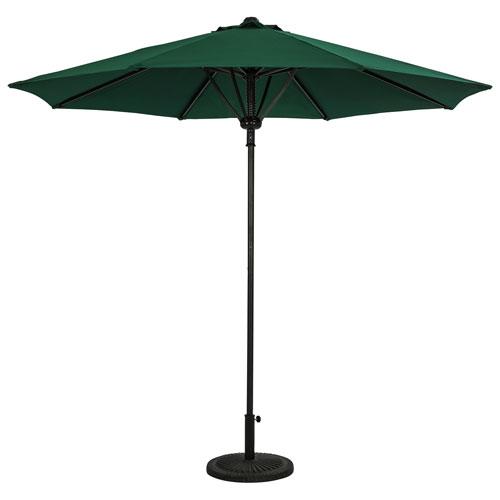 Parasol de patio octogonal autoportant de 9 pi Cabo II d'Island Umbrella - Vert chasseur